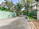 Walk street villa 1002