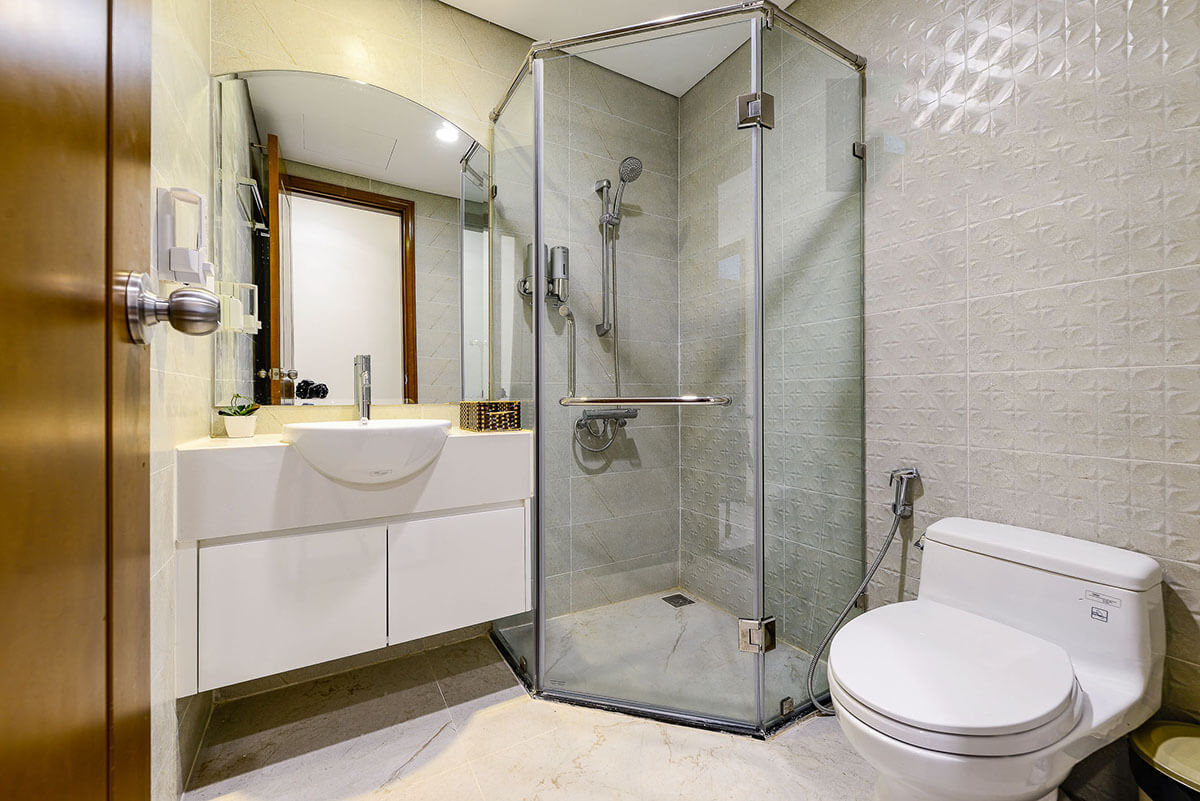 bathroom vinhomes central park 1003