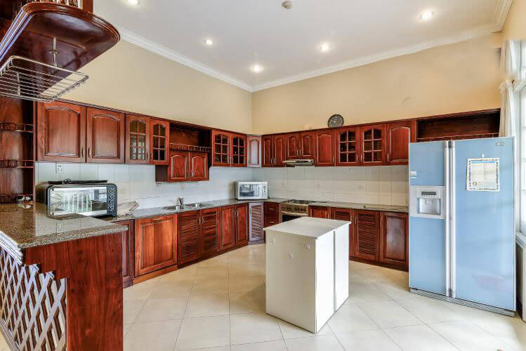 villa kitchen 1002