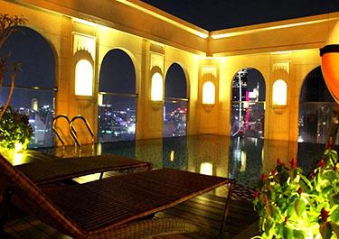 Icon 56 night swimming pool