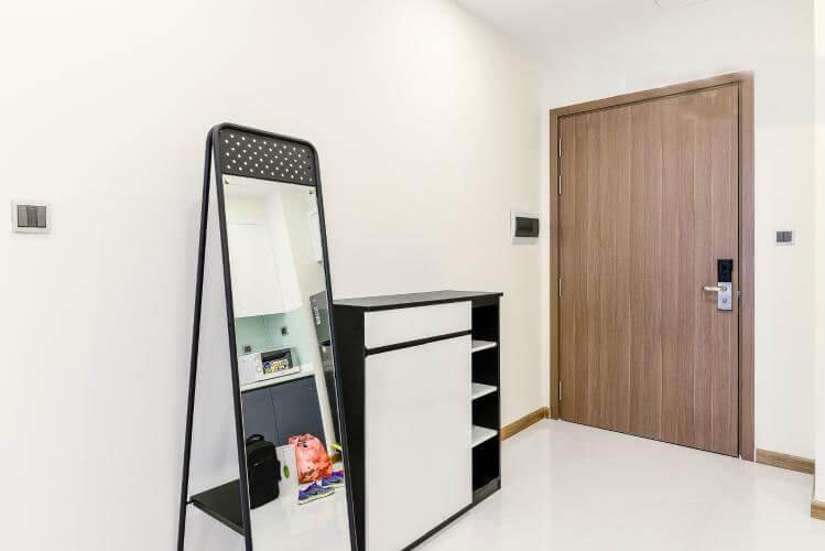 1009-front-door-vinhomes