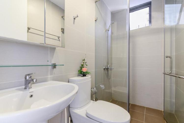 1017 bathroom 2