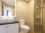 1020 bright bathroom