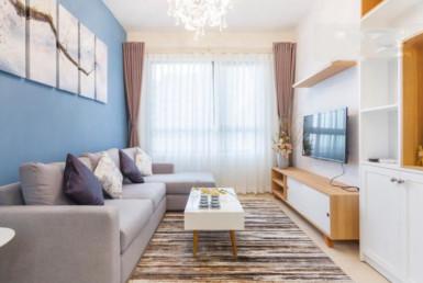 1020 charming living room