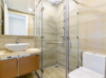 1030 bathroom apartment
