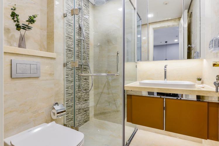 1032 bathroom apartment