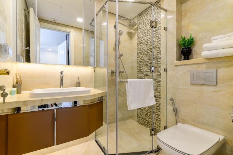 1035 bathroom bathtub