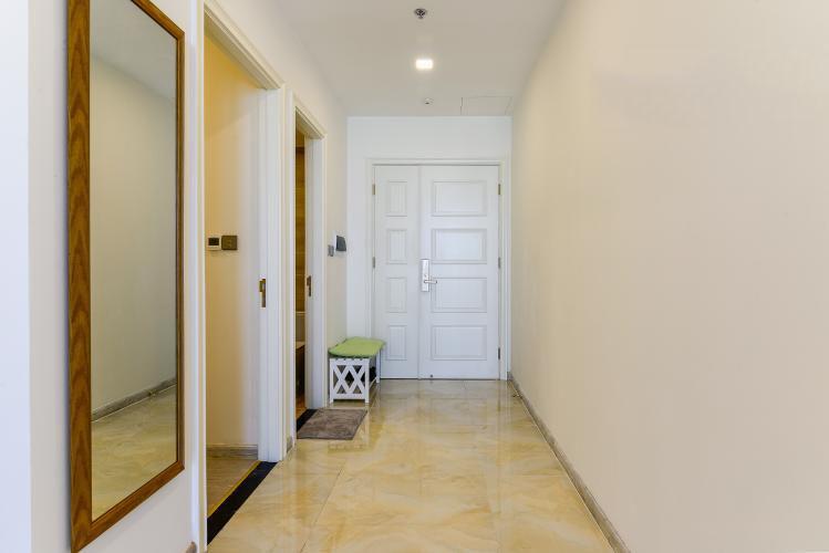 1035 lobby space