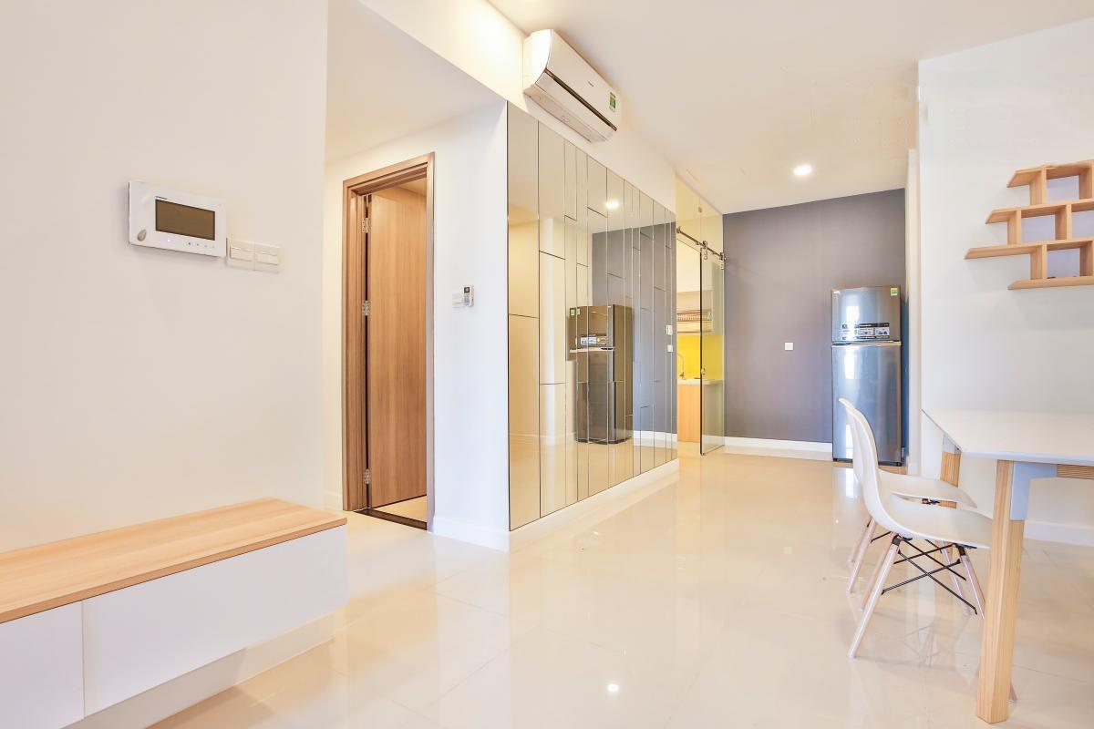 1038 living big space