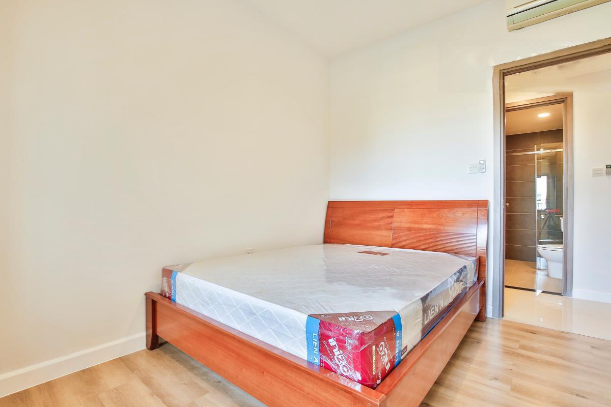1038 wooden floor