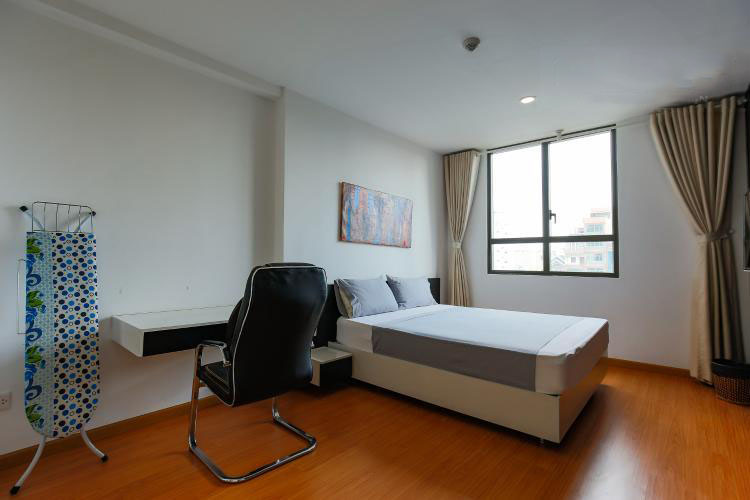 1040 master bedroom 2