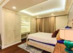 1042 bedroom cozy