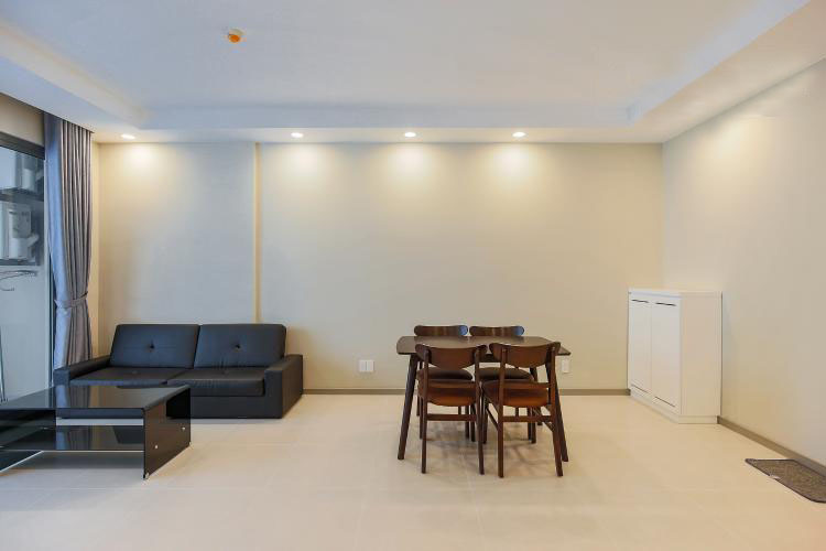 1043 sofa space