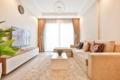 1044 cozy living room