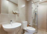 1047-bathroom-clean