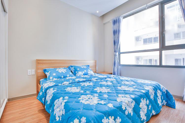 1050 blue flower bedroom