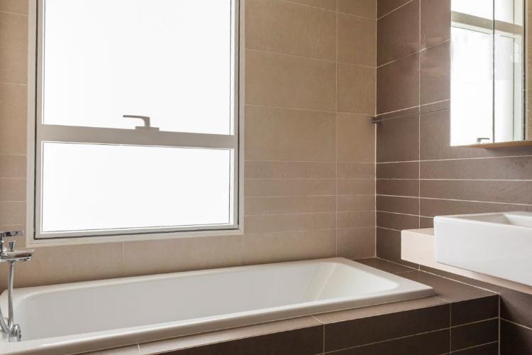 1054 sunrise city bathroom