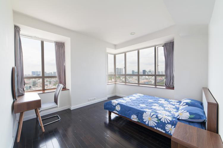 1055 nice master bedroom