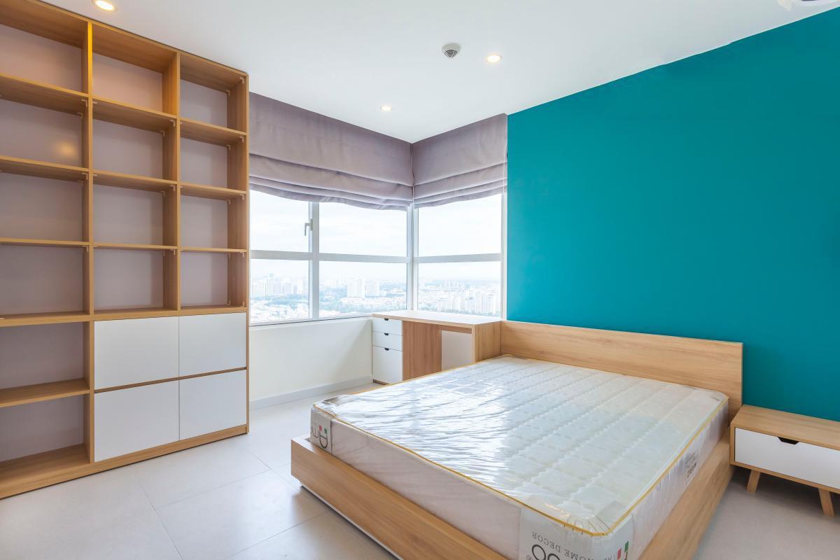 1058 bedroom corner