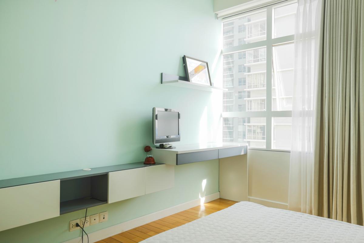 1061 bedroom corner