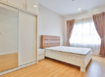 1062 spacious bedroom