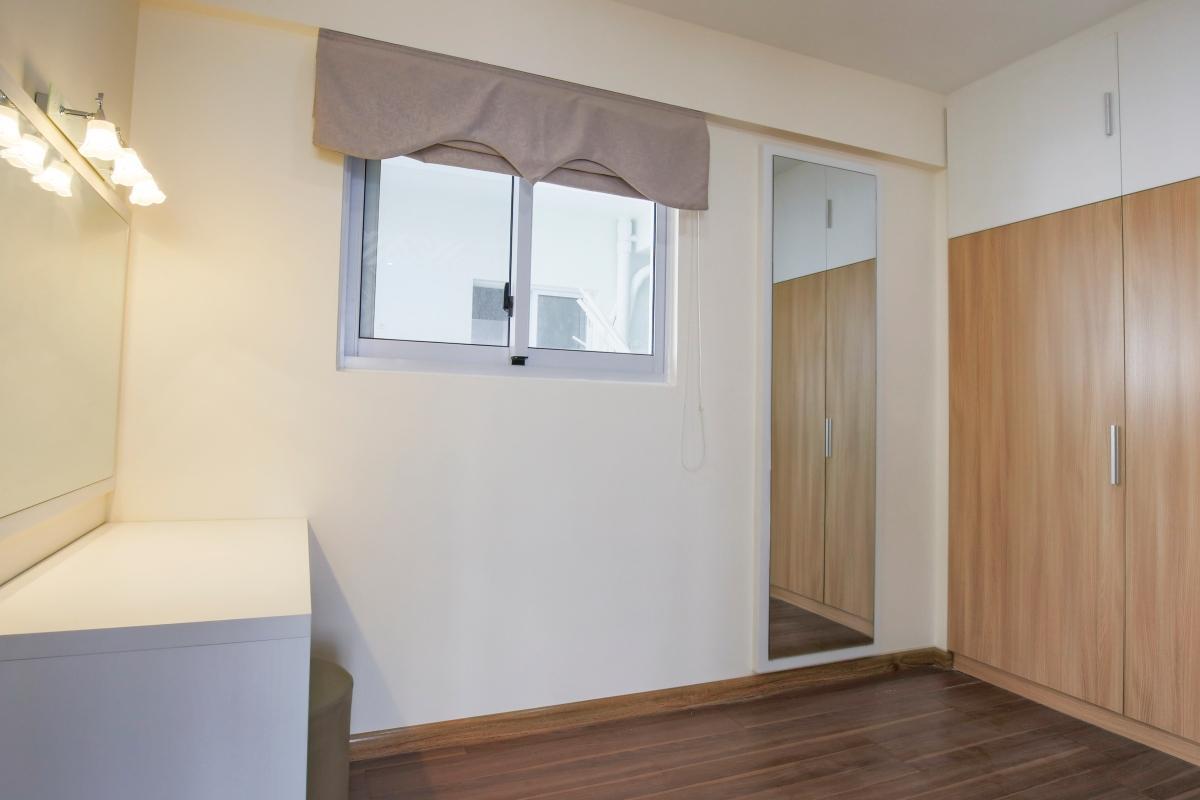 1068 apartment corner
