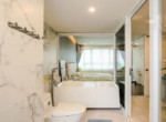 1074-riviera-point-bathroom