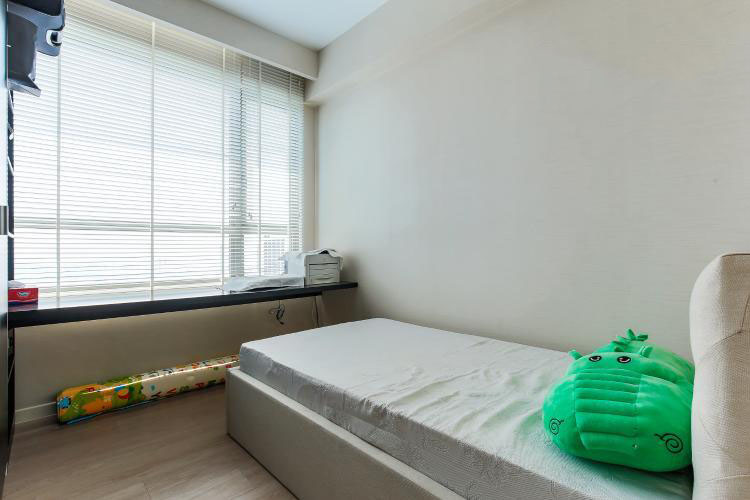 1076 riviera point bedroom 1