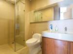 1079 thao dien pearl master bathroom clean
