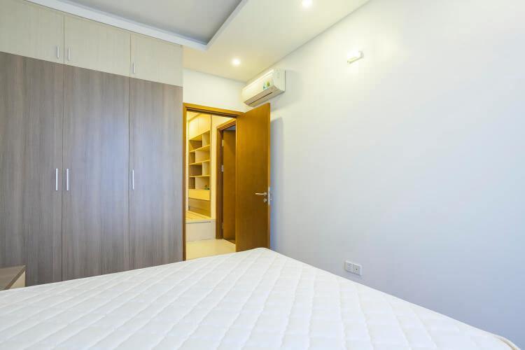 1081 thao dien bedroom wooden floor 3