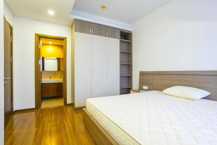 1081 thao dien bedroom wooden floor 4