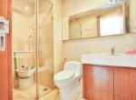 1082 thao dien Pearl bathroom clear 1