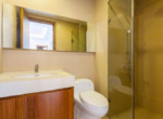 1083 thao dien Pearl bathroom clean