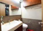 1084 thao dien Pearl bathroom bright