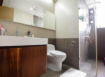 1084 thao dien Pearl bathroom bright 2