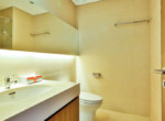 1085 thao dien Pearl clean bathroom