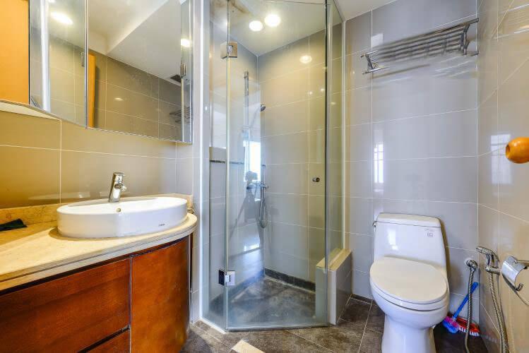 1090 saigon pearl bathroom airy 1