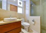 1090 saigon pearl bathroom airy