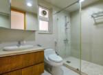 1091 saigon pearl master bathtub toilet 1