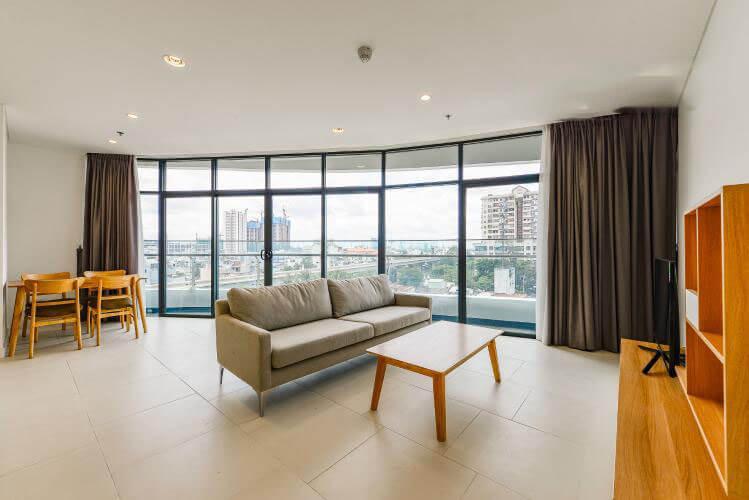1098 city garden livingroom area