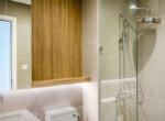 1099 city garden bathroom clear