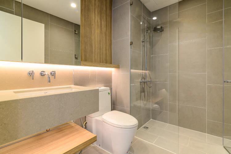1102 city garden bathroom apartment