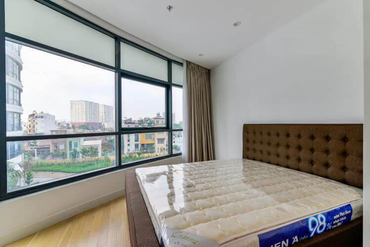 1102 city garden master bedroom 1
