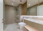 1104 city garden nice bathroom 1