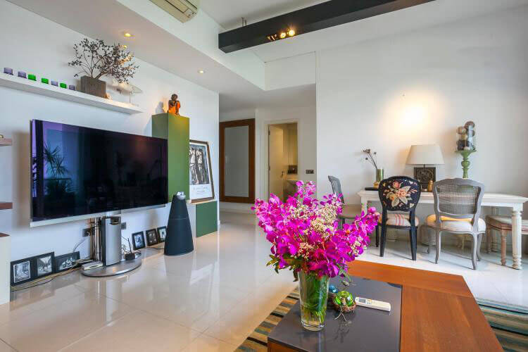 1111 the estell modern livingroom 1
