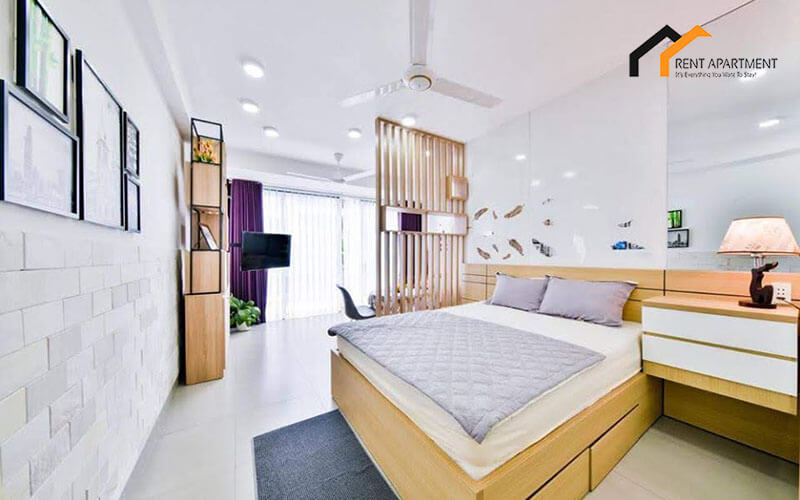 1125 spacious bedroom