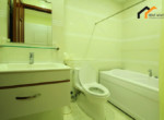 1146 bathroom bathtub apartment