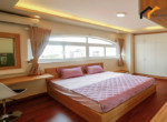 1150 spacious bedroom serviced apartment