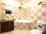 1154 bathroom bathtub apartment