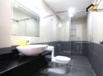 1162 bathroom serviced apartment